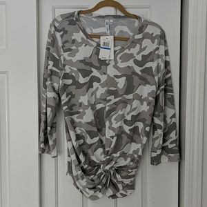 NWT cable & gauge camo 3/4 top